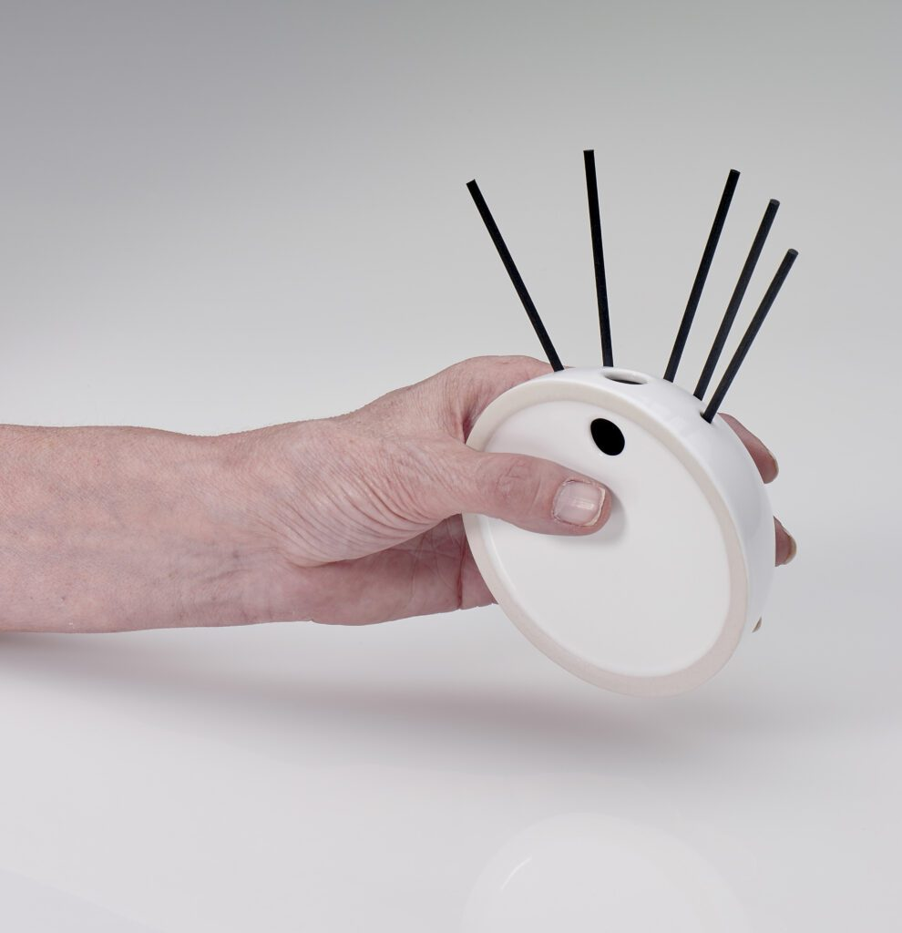 Spry Candles - Hanging Diffuser in Use 04