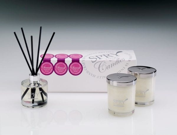Sea Rock Mesmerising Florals Gift Set - Duo Candle & 50ml Clear Diffuser-0